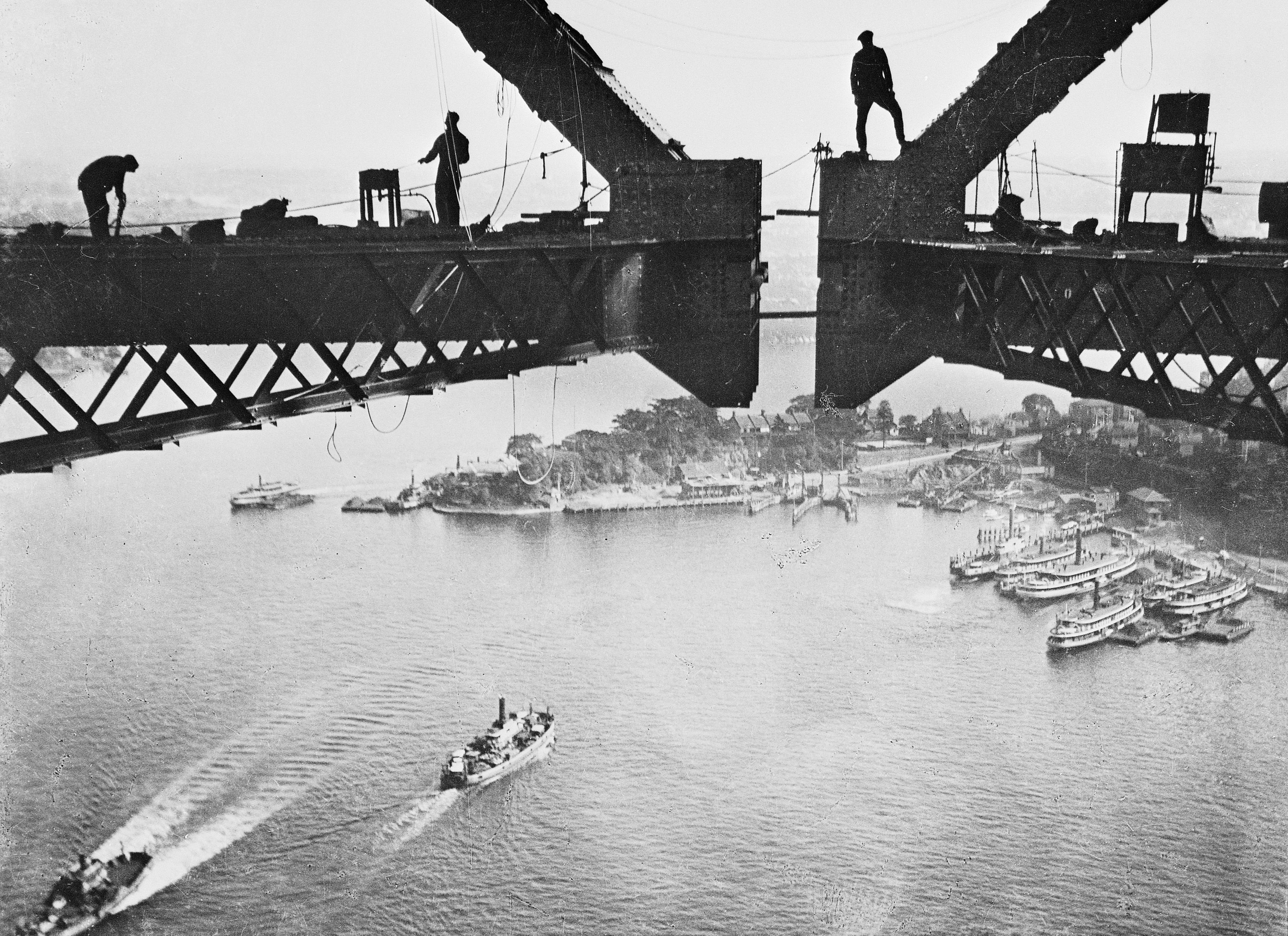 bridge building In the 1920's, long before the technologies and advancements of today's construction industry, a scheme was conceived to build an impossible bridge across the golden gate strait in california today that structure remains one of the world's most famous landmarks but to truly appreciate the magnitude.